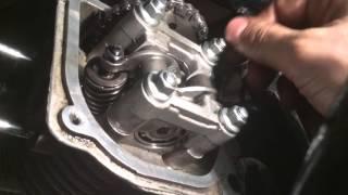 видео Регулировка клапанов на скутере