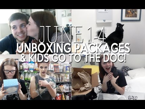 UNBOXING PACKAGES & KIDS GO TO THE DOCTOR!