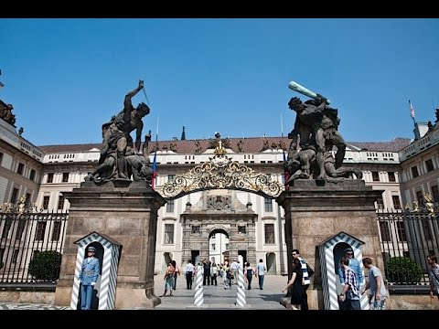 Prague Hradcany A Walking Travel Tour going down Loreta to Prague Castle (Ultra 4K)