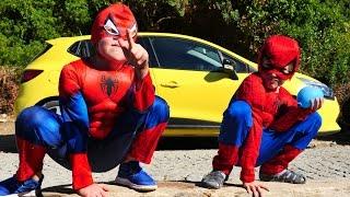 В поисках ноутбука! Два Человека паука и Дарт Вейдер!
