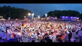 Fanmeile Berlin Public-Viewing zur Fussball-Weltmeisterschaft 2014 Deutschland - Brasilien