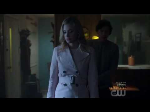 riverdale betty and jughead start dating