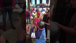 Así recibieron al pelotero cubano Aroldis Chapman en Holguín