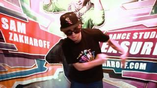 Dubstep Dance - Яркий танец / Sam Zakharoff (Сэм Захаров)(Dubstep Dance один из самых ярких стиле танца, музыка Dubstep сейчас очень популярна и это танец от танцора Сэм Захаро..., 2011-11-09T13:22:29.000Z)