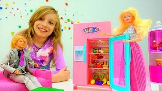 Новоселье Барби и Кена. Распаковка мебели для кукол.