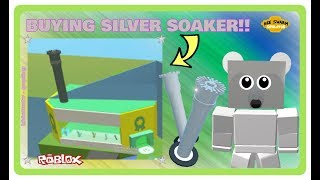 Roblox Bee Swarm Simulator | Buying The NEW Silver Soaker! | VICIOUS BEE ATTACKS!