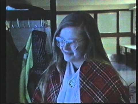Sodankylän lukion Abit penkkaripäivänä 1991