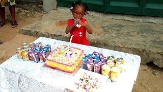 BIRTHDAY COMES ONCE A YEAR... HAPPY BIRTHDAY TO YOU FAVOUR