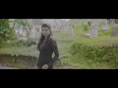 Uyirey Official Music Video  - Mogana Loga feat Vikadakavi