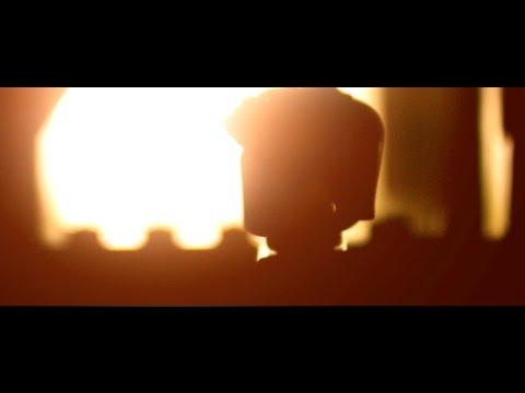 Logan - Official Trailer in LEGO
