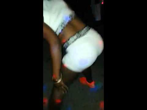 Jamaican dance hall skin out