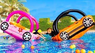 НЕ поделили машины...Почему мне всегда РОЗОВОЕ???Did not share the car... Who will get a PINK ???