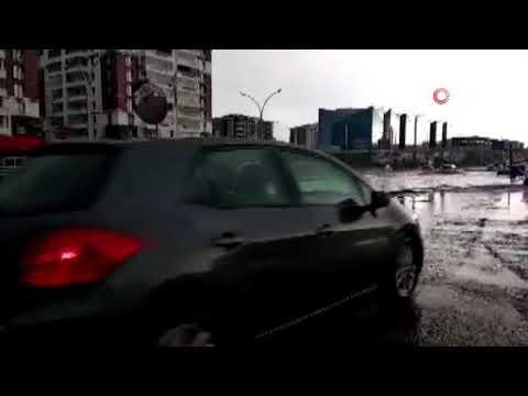 Diyarbakır'da sağanak yağış hayatı olumsuz etkiledi