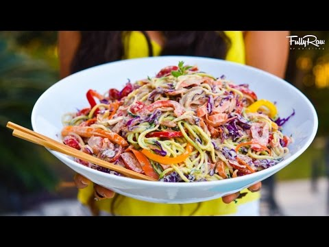 Sweet & Spicy Pad Thai Noodles! FullyRaw & Vegan!