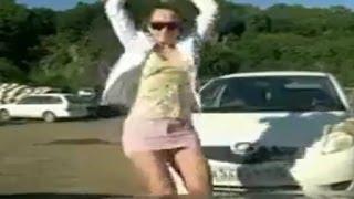 Une fille russe hot se venge de son mec(En Russie, une fille a appris que son mec la trompait et malheureusement pour lui, elle connaissait l'endroit exact où il garait sa voiture. La vengeance n'a pas ..., 2014-02-06T10:32:35.000Z)