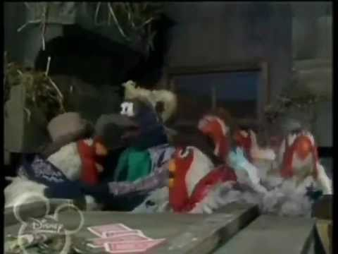 """The Muppet Show Singers: """"Ain't Nobody Here But Us Chickens"""""""