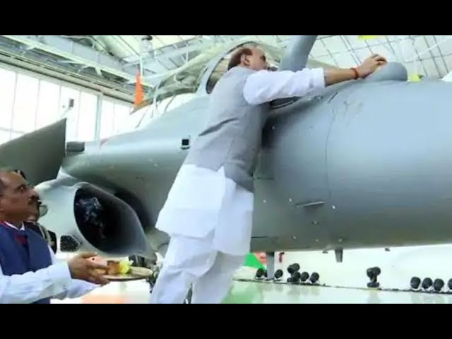 Indian Home Minister Rajnath Singh Worships Rafel Fighter Jets With Lemons