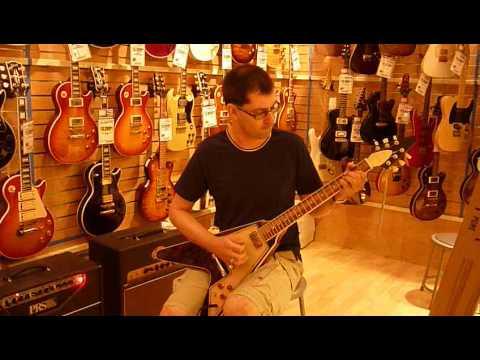Probando guitarras en New York (II):Gibson Flying Grace Potter Signature en SamAsh