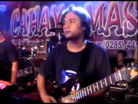 CAHAYA MASA MUSIC PEKALONGAN CINTA BERAWAN VOC DIEAN RONY