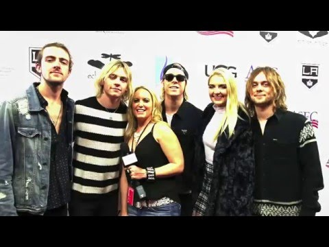 The Pulse on The Red Carpet With R5