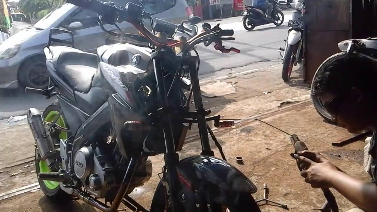 Tips Belajar Stoppie Melakukan Freestyle Motor Indonesia Lengkap