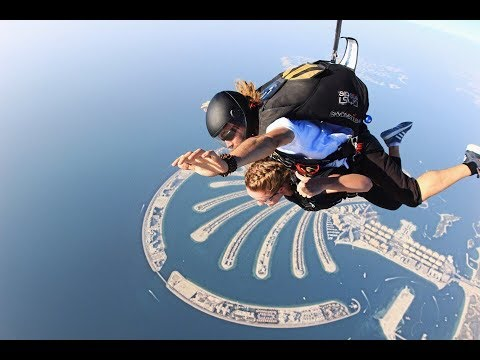 Skydive Dubai - My First Jump! Scary And Amazing Experience. 2017