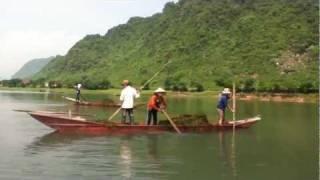 Hols Vlog Part 41 - Phong Nha Cave Boat Trip Vietnam