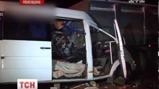 видео На Рівненщині один мотоцикліст загинув інший — травмувався