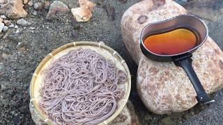そばを食べる。Outdoor 料理 thumbnail