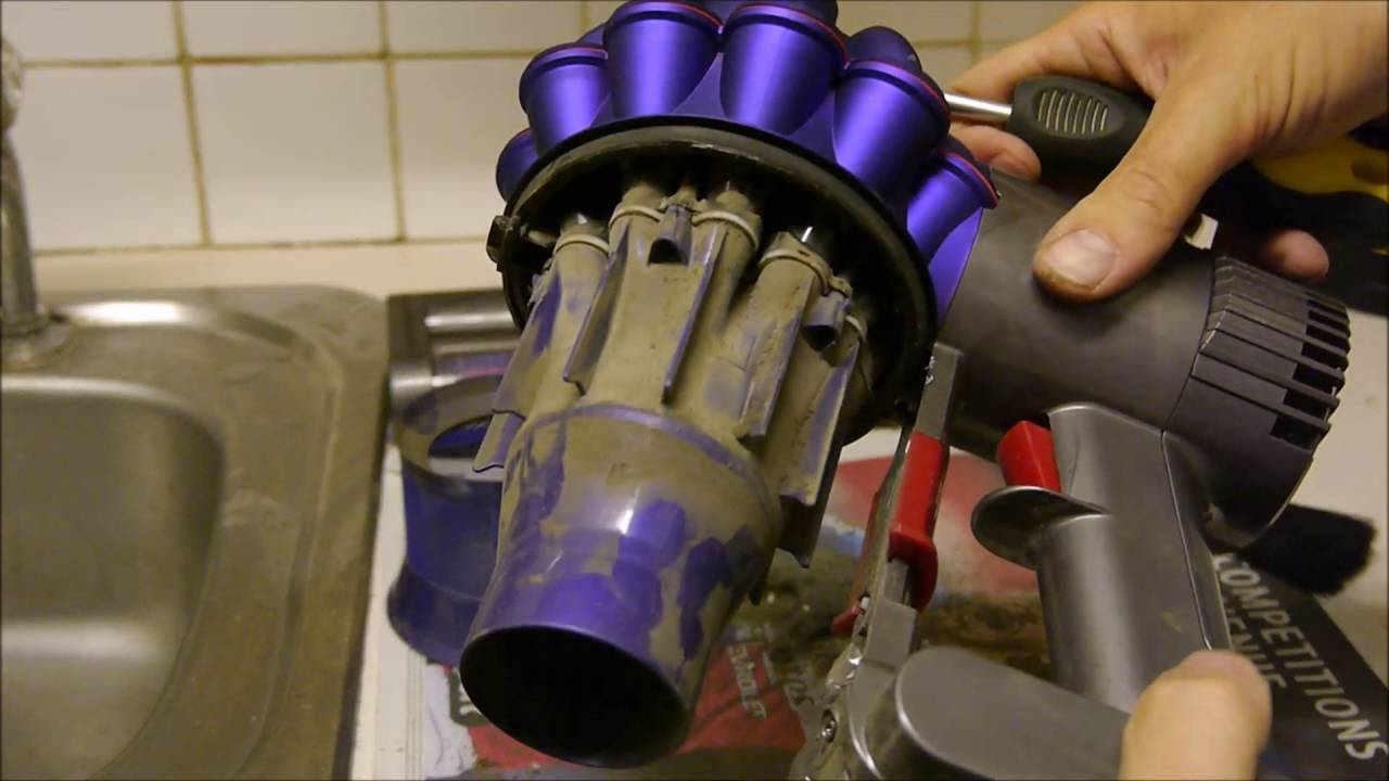 How to clean the Dyson V6 / DC59 Cordless Vacuum Cleaner ...