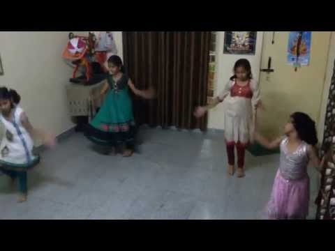 Nagada Sang Dhol Baje full song from Little Lady Movers Group.