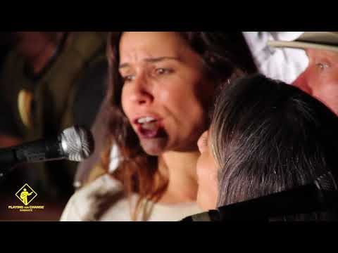 La Bamba / Twist And Shout - Playing For Change Band (con Silvana Dacca) LIVE, Diamante Argentina