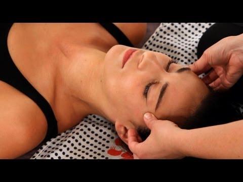 How to Give a Face Massage   Shiatsu Massage