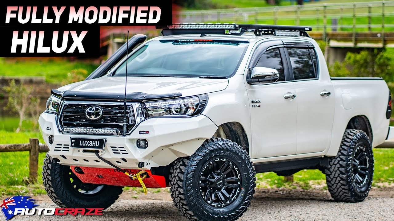 FULLY MODIFIED TOYOTA HILUX // CRAZY HILUX!