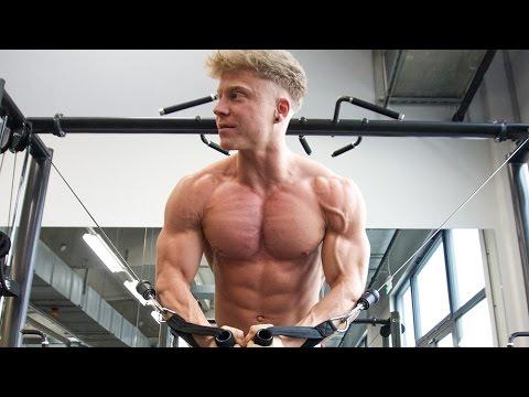 dicke brust trainieren
