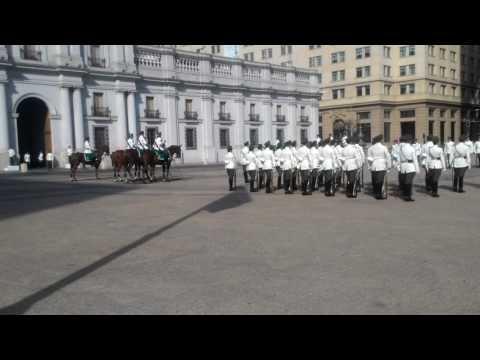 Cambio de Guardia - La Moneda