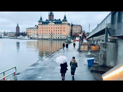 Stockholm Walks: central bridge to Christmas in Old Town. Södra järnvägsbron- Västerlånggatan