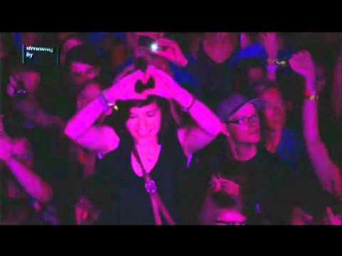 Robyn @ Rock Werchter 2011 - Deel 2  (HD LIVE)