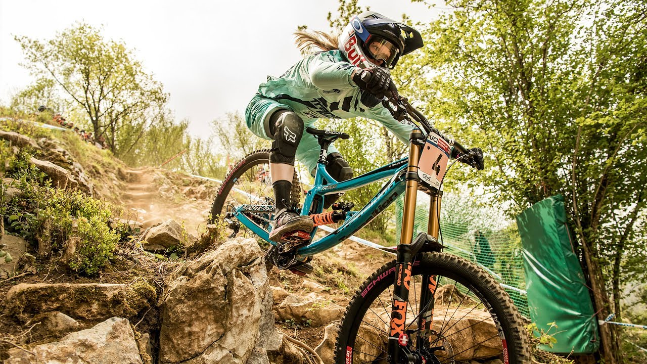 499bebb55b2 Bike Check: Tahnee Seagrave's Transition TR500 Mountain Bike - YouTube