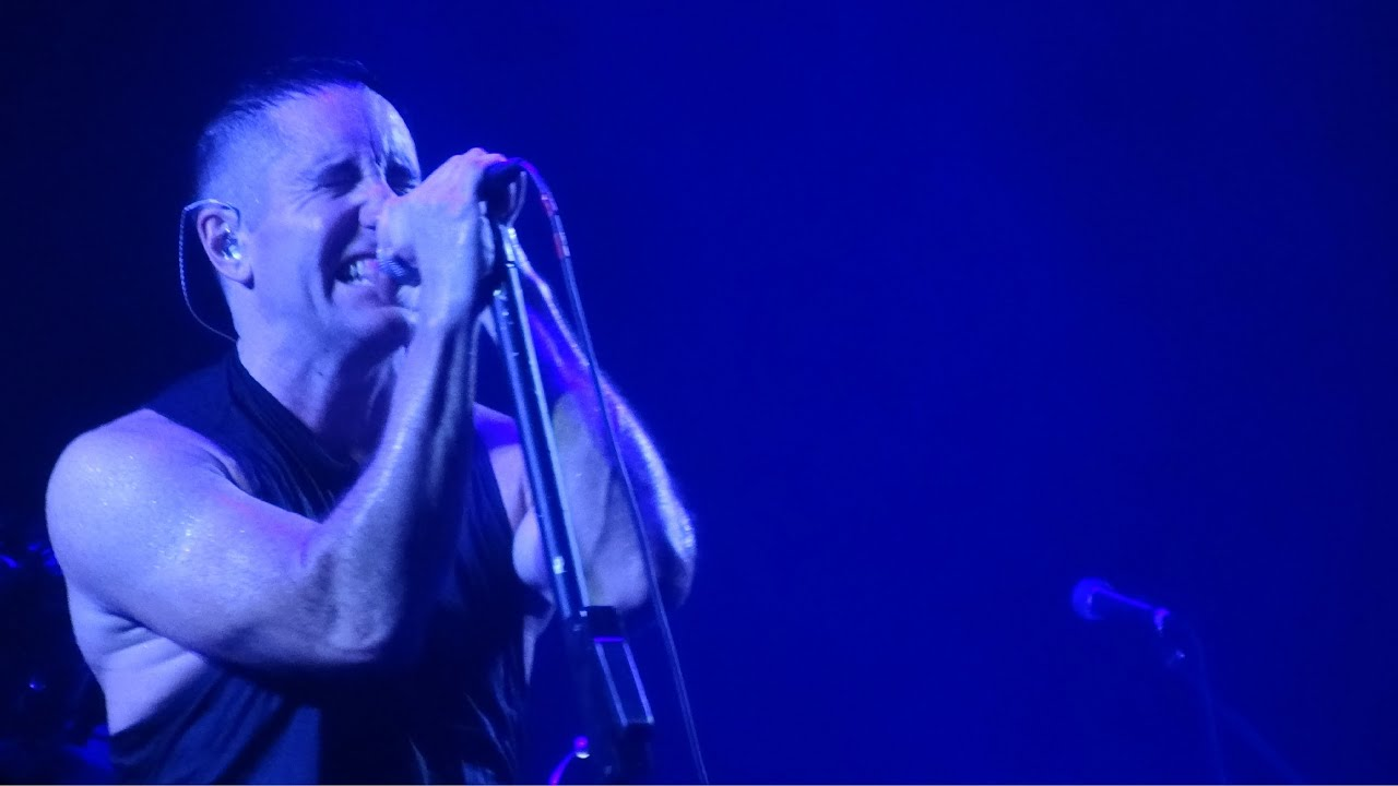 Nine Inch Nails - Into the Void (Live at the Prudential Center ...