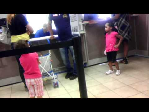 LIL BLACK GIRL BOUT TO GO HAM ON LIL WHITE GIRL