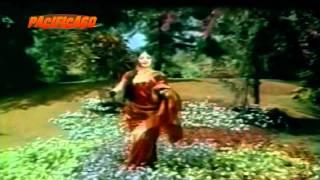 Dhani Chunri Pehan Sajke Ban Ke Dulhan : Hare Kaanch Ki chudiyan 1968