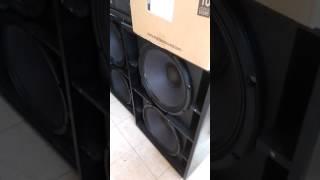 Eighteen Sound lw1400 en caja D.A.S Compact218