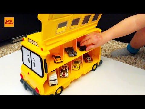 Мальчик Распаковывает Игрушки - Машинка Школьный Автобус Robocar Poli