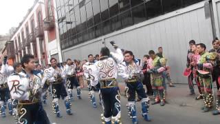 REAL SAMBOS en pasacalle de VIRGEN DE COPACABANA 2014