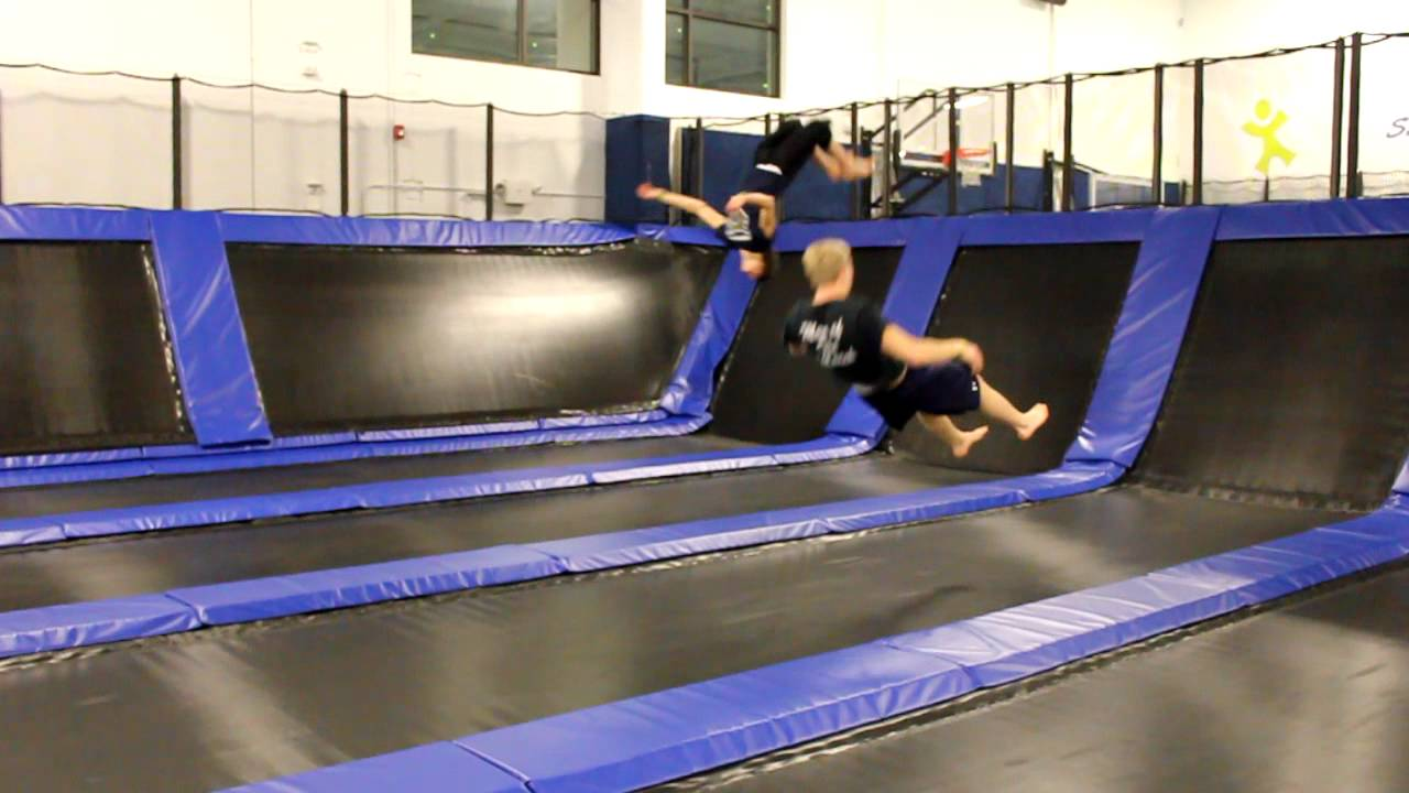 long tracks at epic air trampoline park doovi. Black Bedroom Furniture Sets. Home Design Ideas