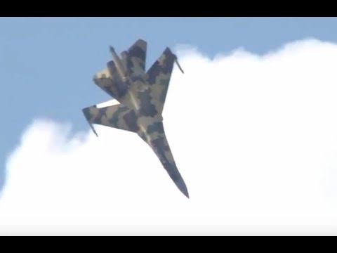 Su-35 dances to a Cossack song.