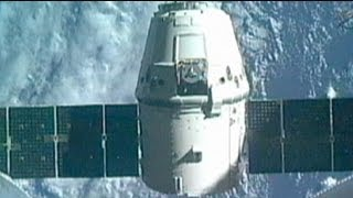 """مركبة الفضاء """"دراغون """" تعود الى الأرض"""