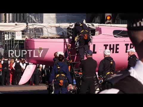 UK: Police makes arrests and dismantle Extinction Rebellion boat