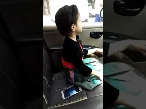 Viral video - Little girl FIGHTING with her dad